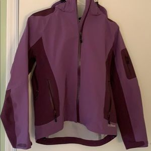 Like new LL Bean rain/wind jacket